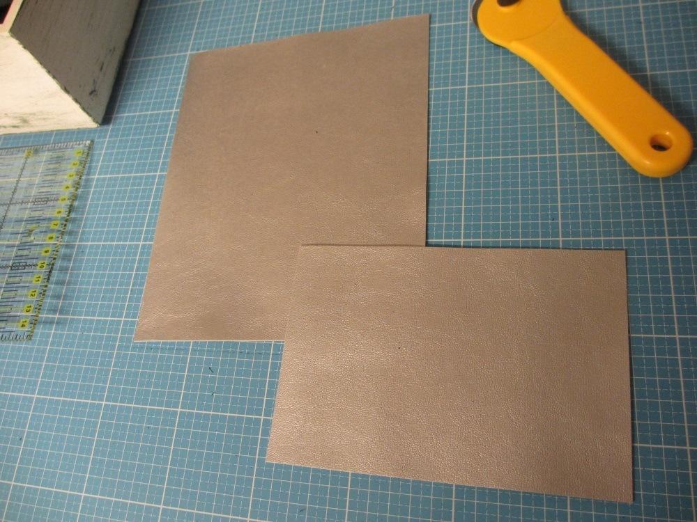 Die Innentasche aus dem passenden Kunstleder.