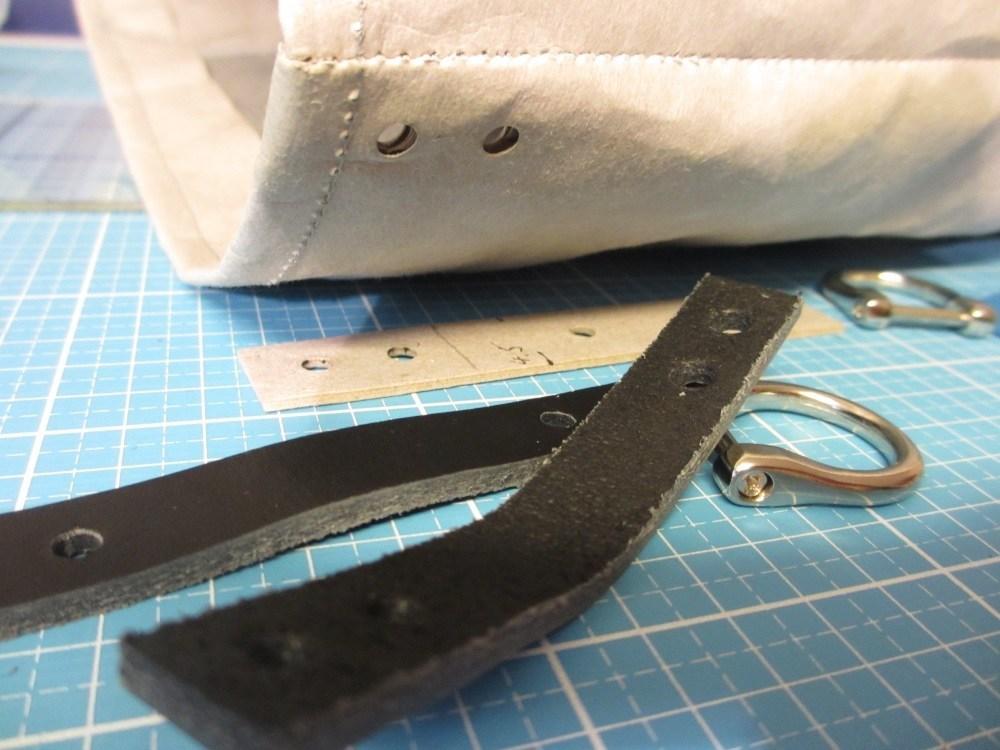 Snappap Tasche lederhenkel befestigt mit Buchschrauben