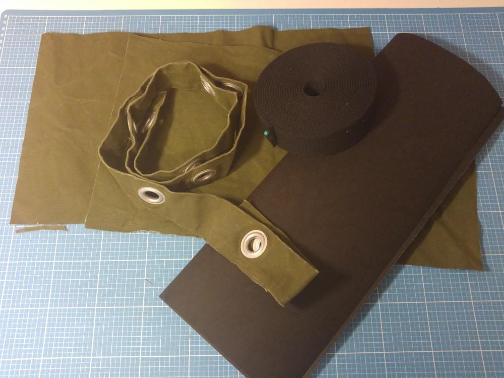 Fester Canvas vom Seesack, Gurtband und Snappap. Daraus entsteht meine neue Tasche