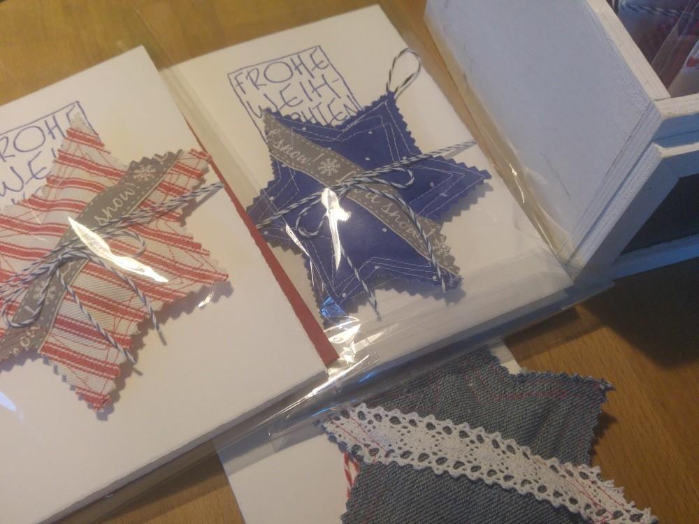 Fertige Weihnachtskarten mit Stoffstern