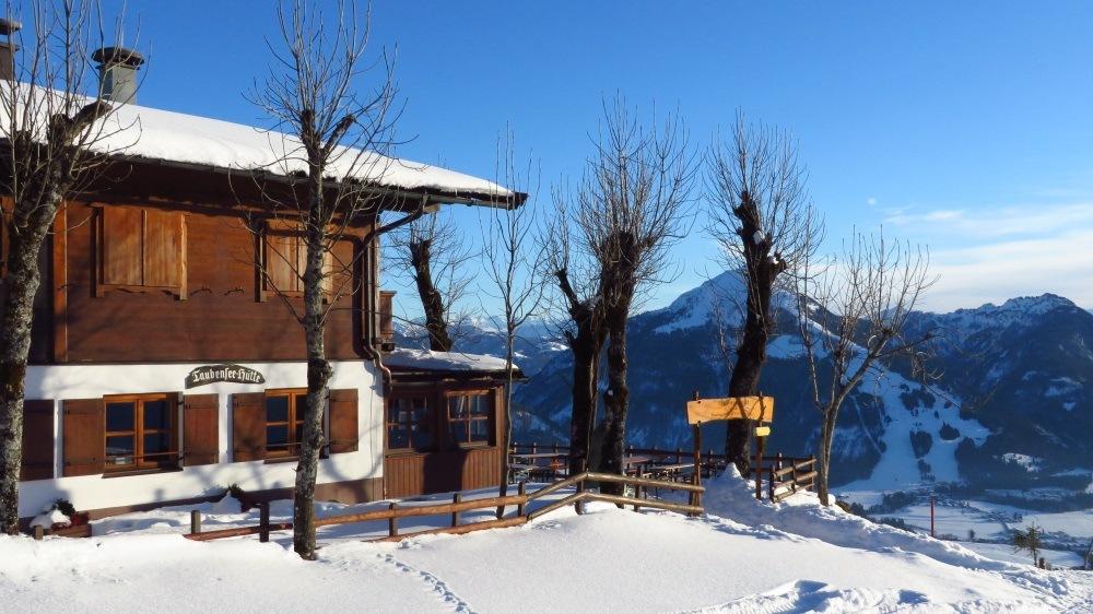 Taubenseehütte oberhalb von Kössen