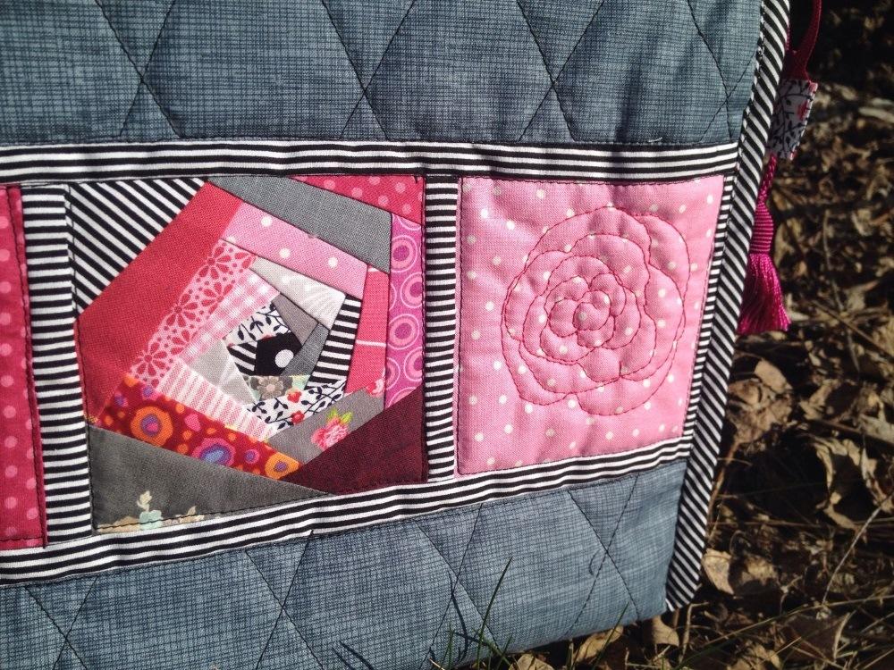 Paper Piecing Rose und Freihand Rose nebeneinander