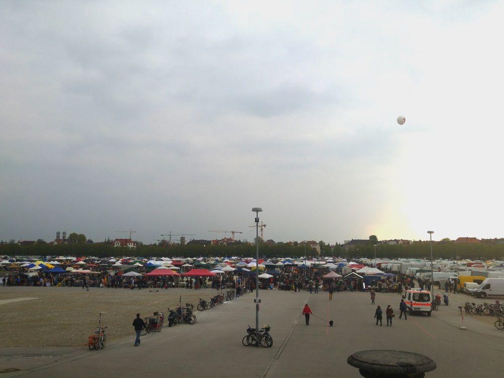 2000 Aussteller auf dem Flohmarkt des Frühlingsfests