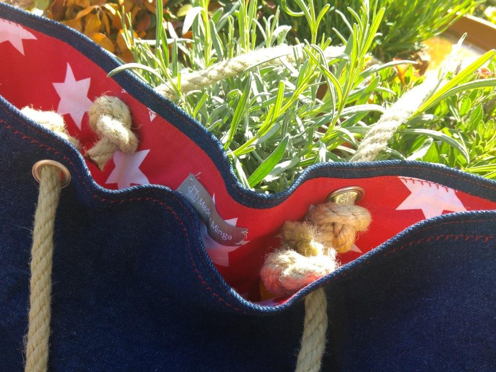 Jeanstasche mit Sternenfutter und Seil als Henkel