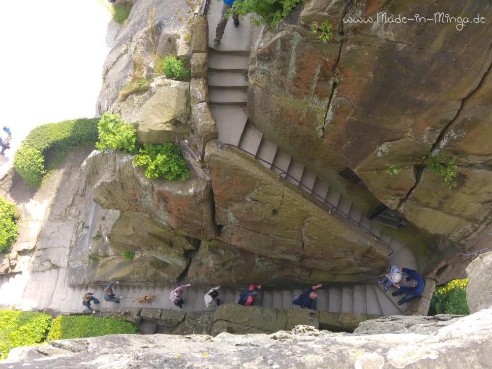 Steile Treppen helfen beim Aufstieg