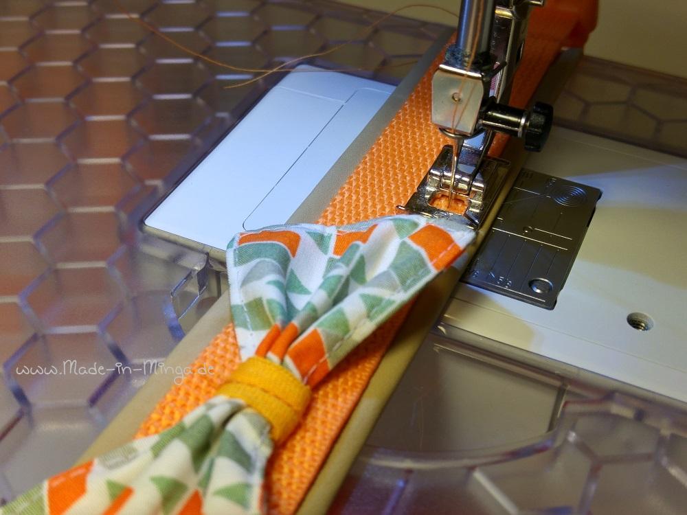 Gurtband auf Lederstreifen festnähen