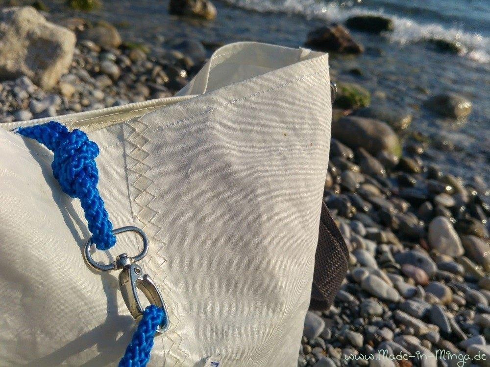 fertige Tasche aus altem Segel. Segeltuch-Tasche nähen