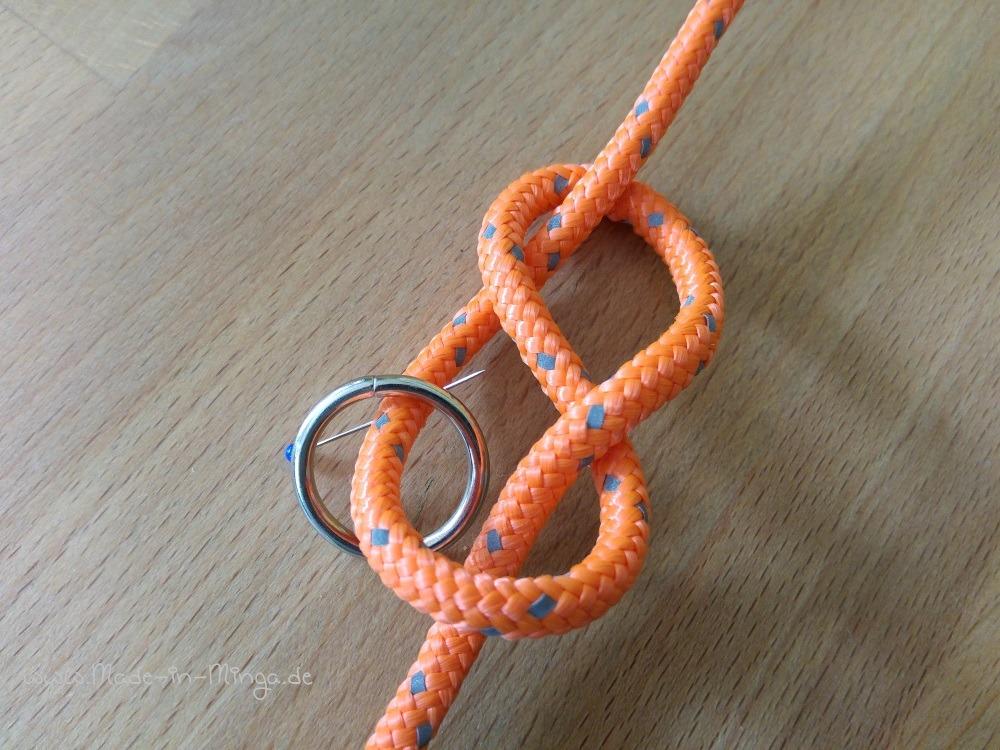 Achter-Knoten legen