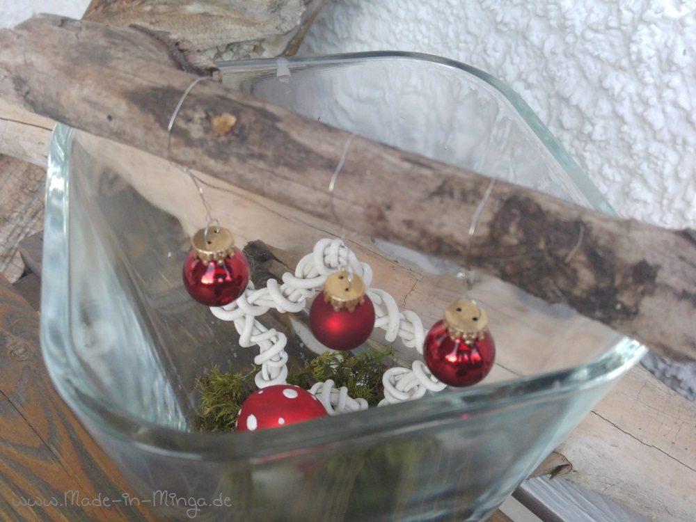 hängende Weihnachtsdeko im Glas