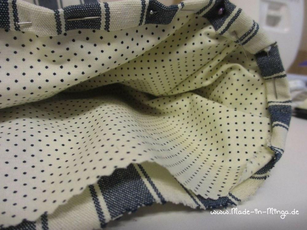 Innentasche an Außentasche festnähen