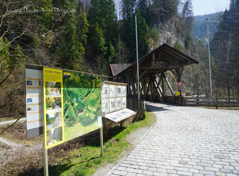 Holzbrücke am Eingang der Kundler Klamm