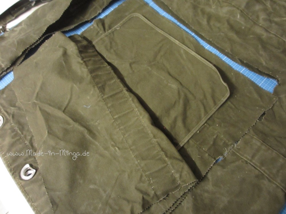 2 Stoffstücke ausschneiden aus denen die Tasche genäht wird