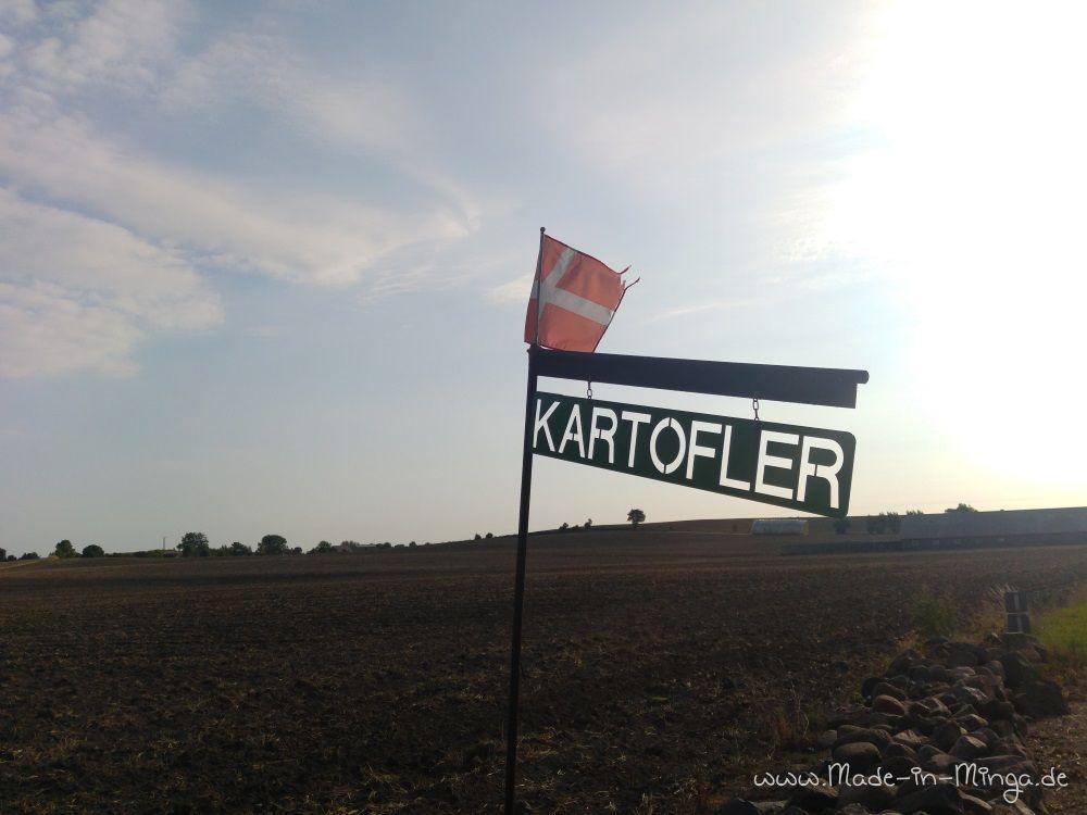 Schild: Kartoffeln zum Verkauf