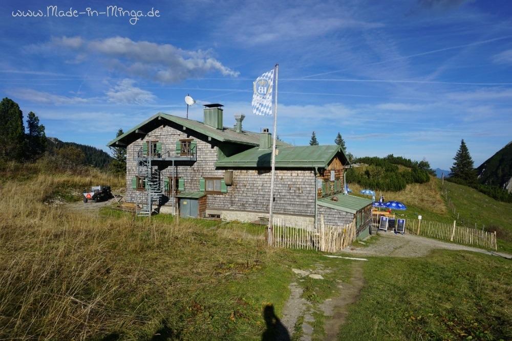 Taubensteinhütte direkt neben der Bergstation
