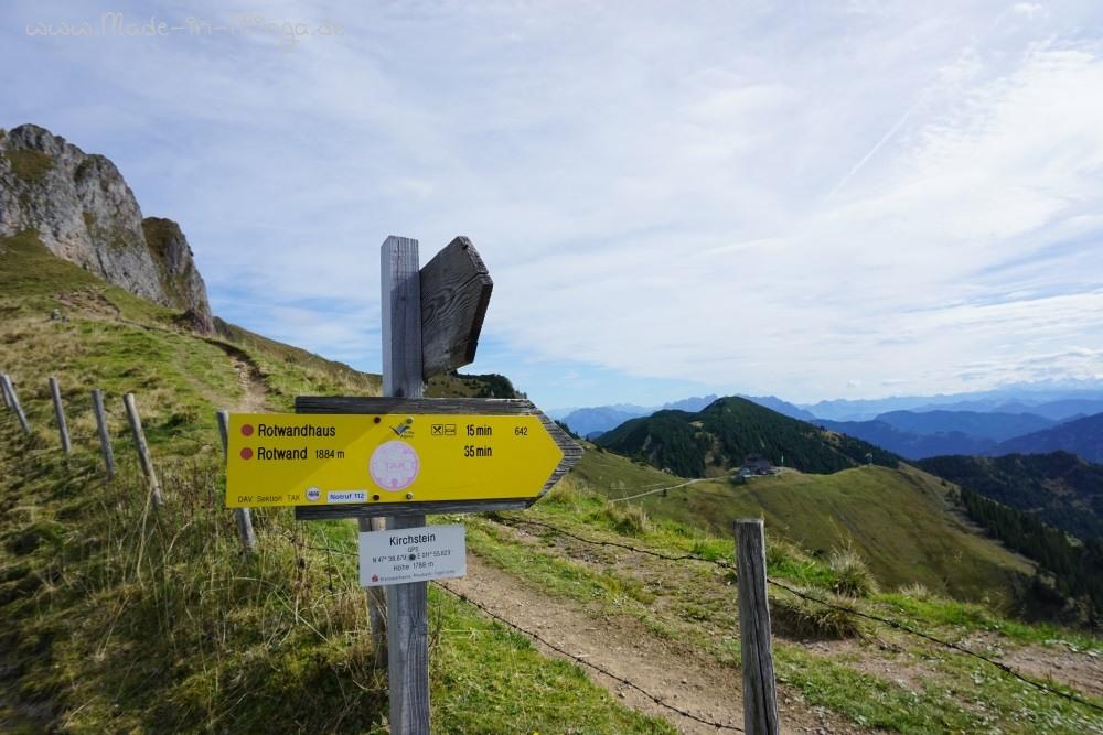 Über die Bergkuppe hinweg zum Rotwandhaus