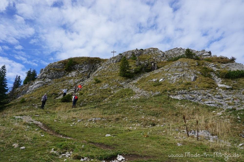 Erster Gipfel gleich hinter der Bergstation