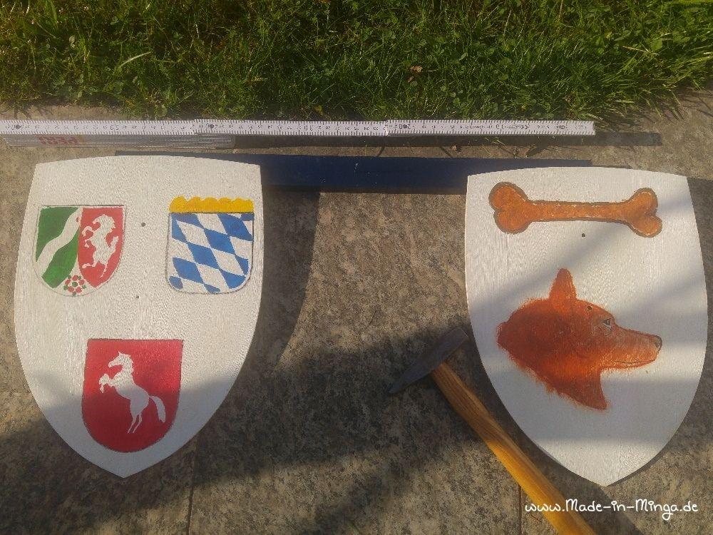 Wappen am Maibaum befestigen